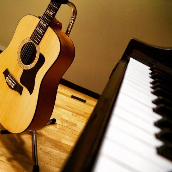 PIANO AND GUITAR TRAINING