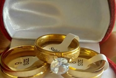Long Lasting Gold Wedding Ring Set